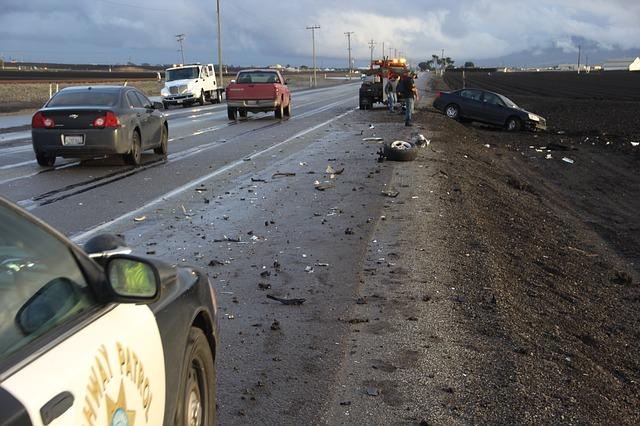 car-accident-1921347_640